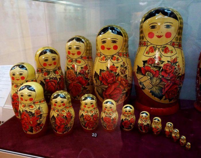 Фабрика «Семёновская роспись» и её музей матрёшек и деревянных игрушек