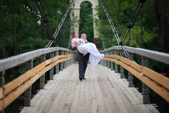Висячий мост через реку Сатис