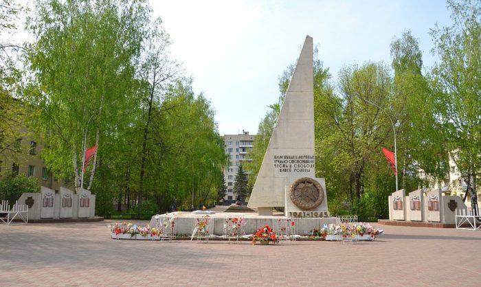Воинский мемориал в сквере Победы