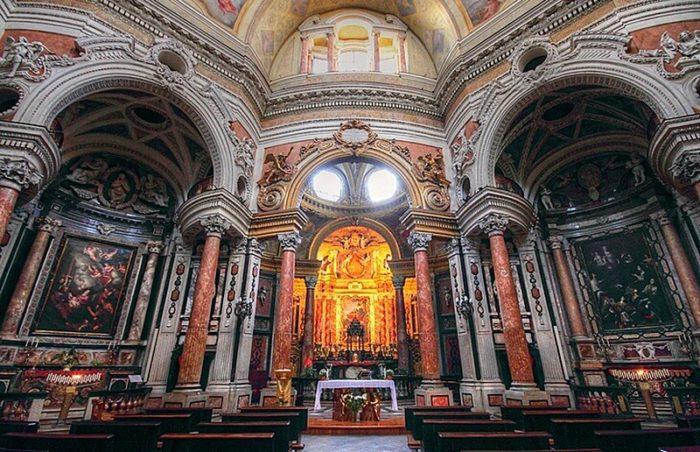 В церкви Сан-Лоренцо