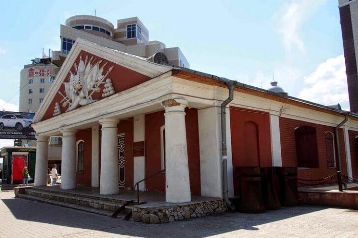 Здание Арсенала – Военный музей