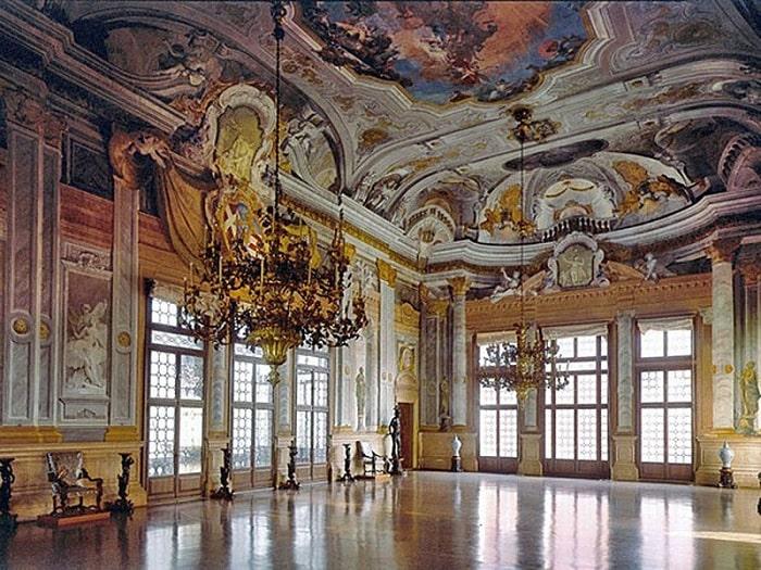 Бальный зал Ка-Реццонико