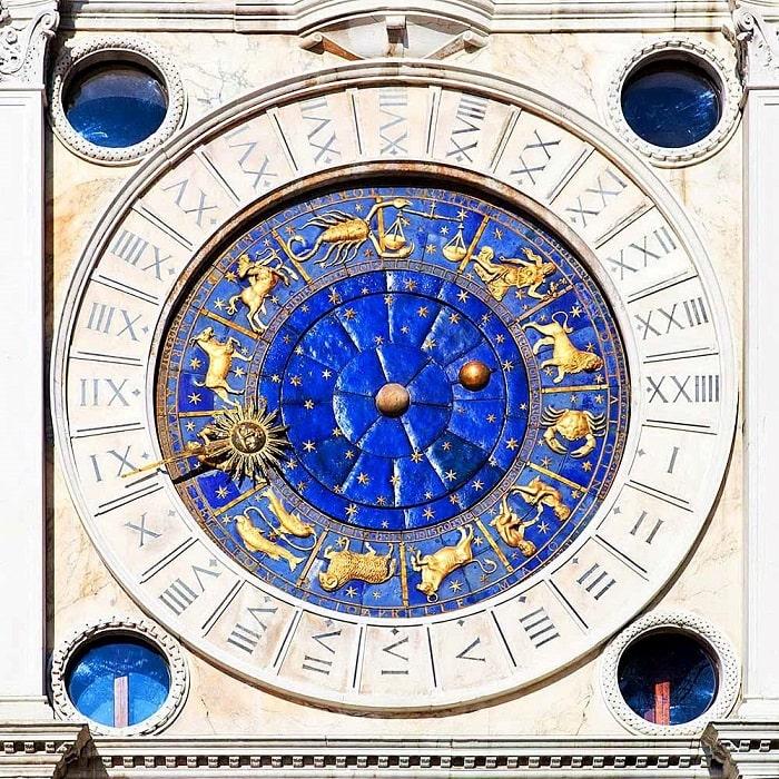 Часы башни