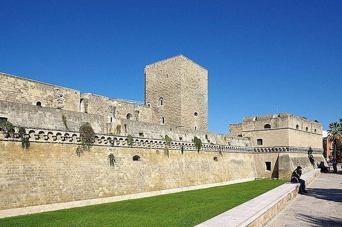 Castello Svevo (Швабский замок)