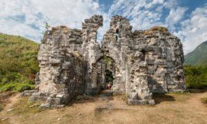 Руины Бзыбского храма