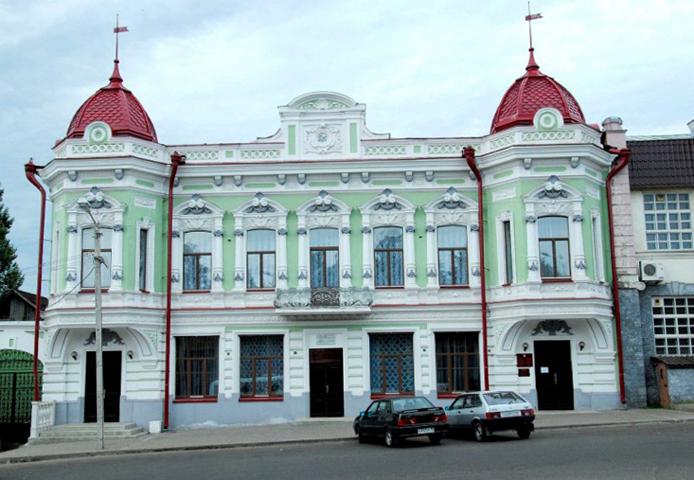 Дом купца Корешева и Красная площадь
