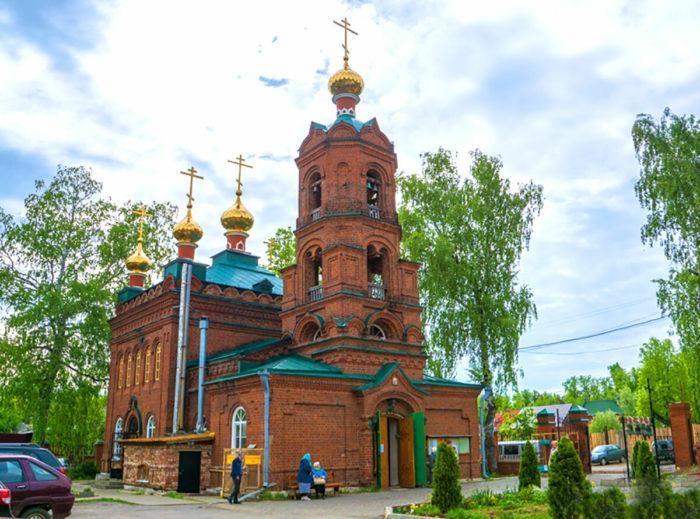 Храм блаженной Ксении Петербургской (бывший старообрядческий Никольский храм)