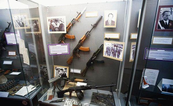 Музейно-выставочный комплекс стрелкового оружия имени Калашникова