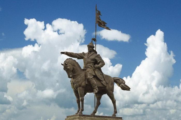 Памятник эмиру Ибрагиму бен Мухамаду