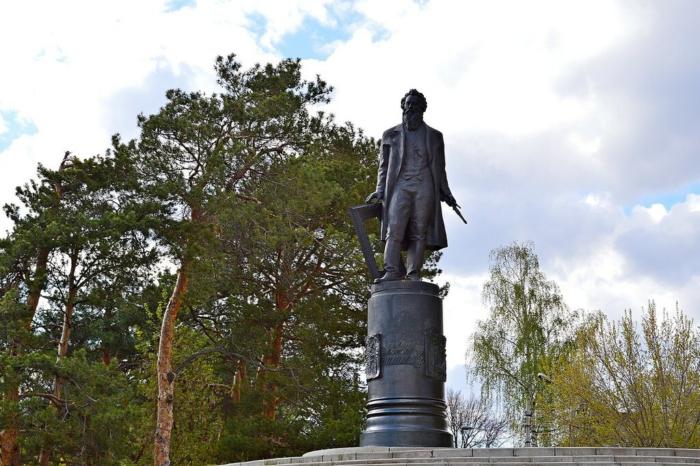 Памятник Ивану Шишкину