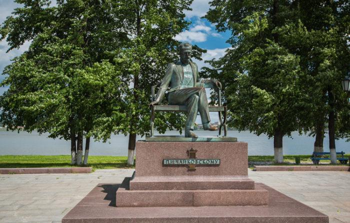 Памятник Петру Чайковскому