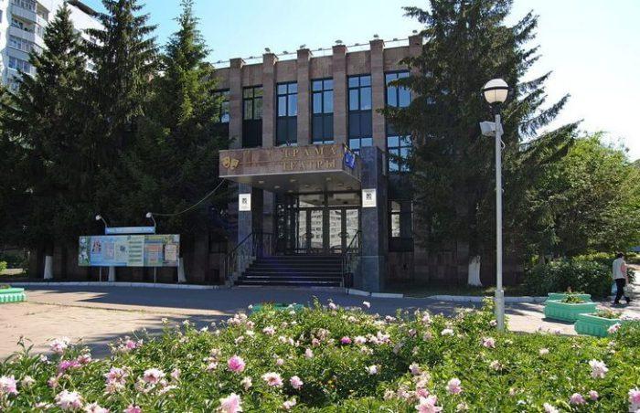 tatarskij-dramaticheskij-teatr