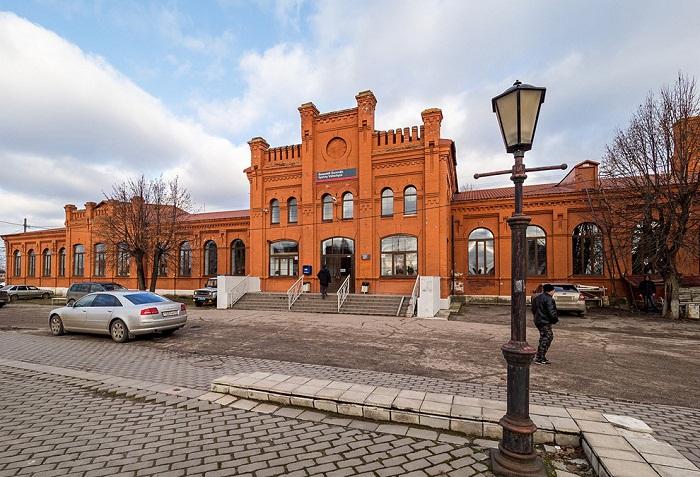 Рисунок 12 Железнодорожный вокзал