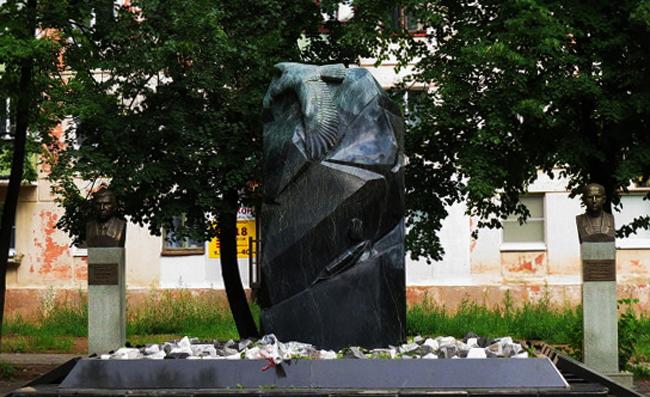 Аллея Славы и памятник воинам-интернационалистам