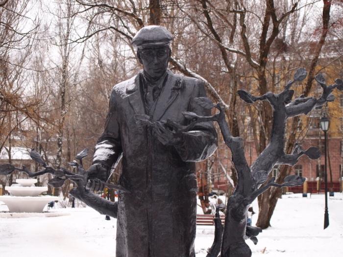 Памятник Валентину Миндовскому