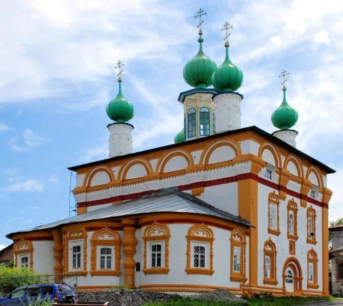 Спасская и Архангельская церкви