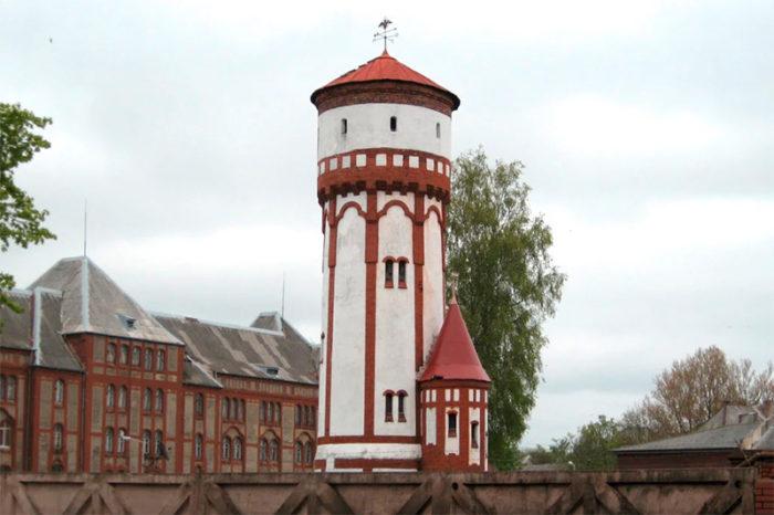 Три водонапорные башни постройки начала ХХ века