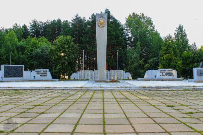 Воинский мемориал на Площади Победы