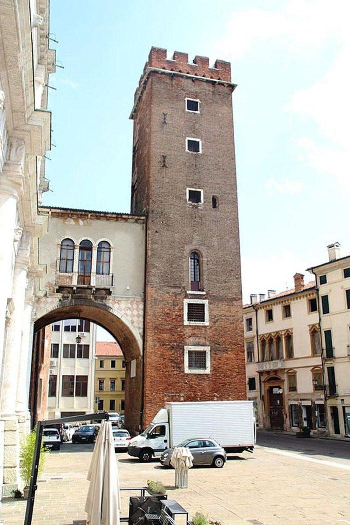 Башня Джирони