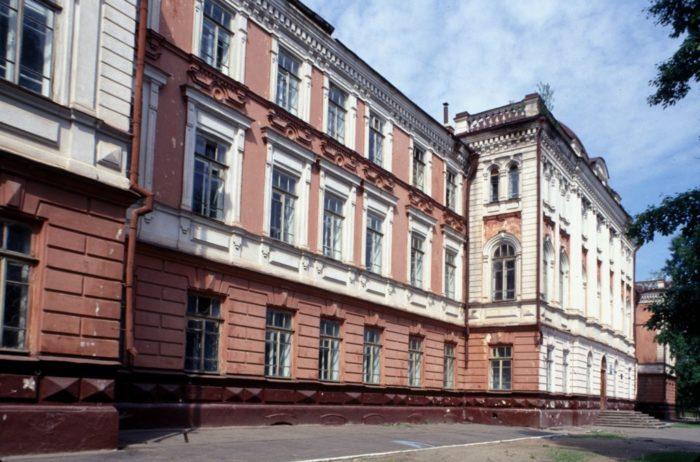 Бывшая женская Алексеевская гимназия
