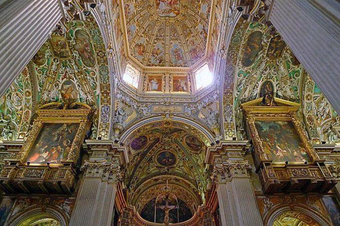 Интерьер базилики
