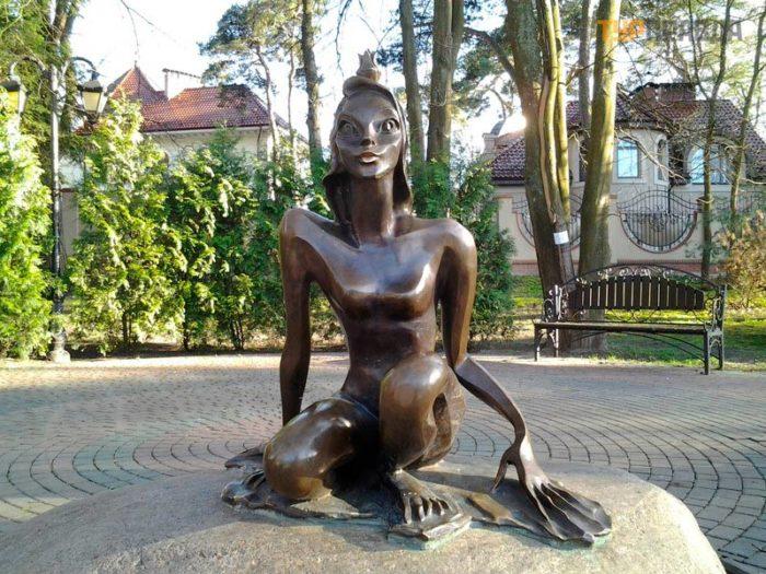 Скульптура «Царевна-лягушка»