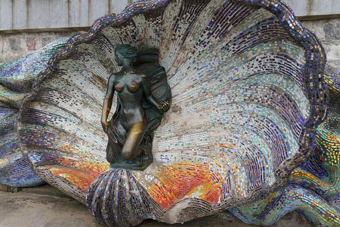 Скульптуры «Русалка» и «Ундина»