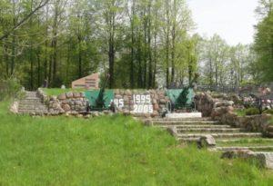 Воинские мемориалы на братских могилах советских солдат-01