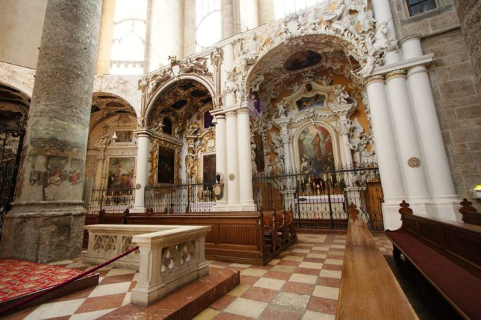 Интерьер францисканской церкви