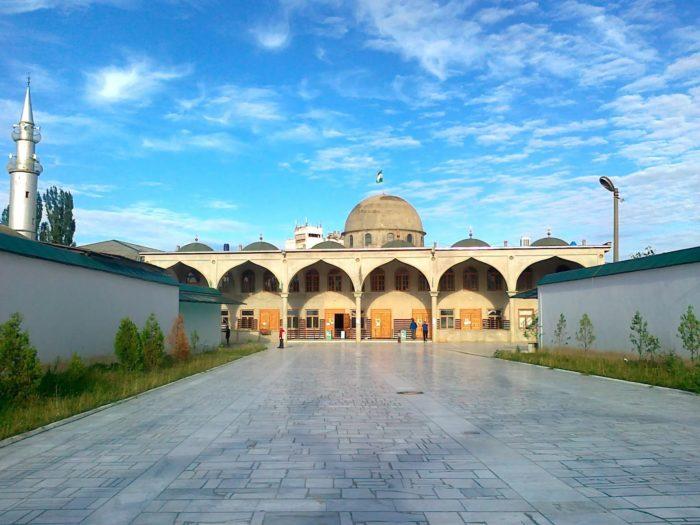 Центральная мечеть Буйнакска