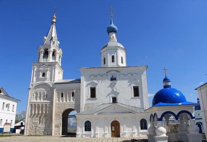 Дворец и палаты князя Андрея Боголюбского