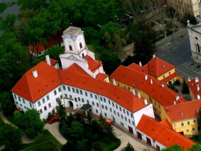 Епископский замок
