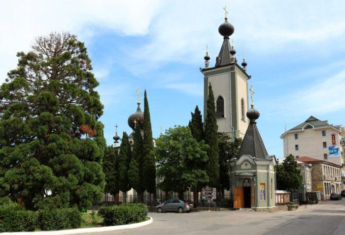 Храм Всех Крымских Святых и Феодора Стратилата
