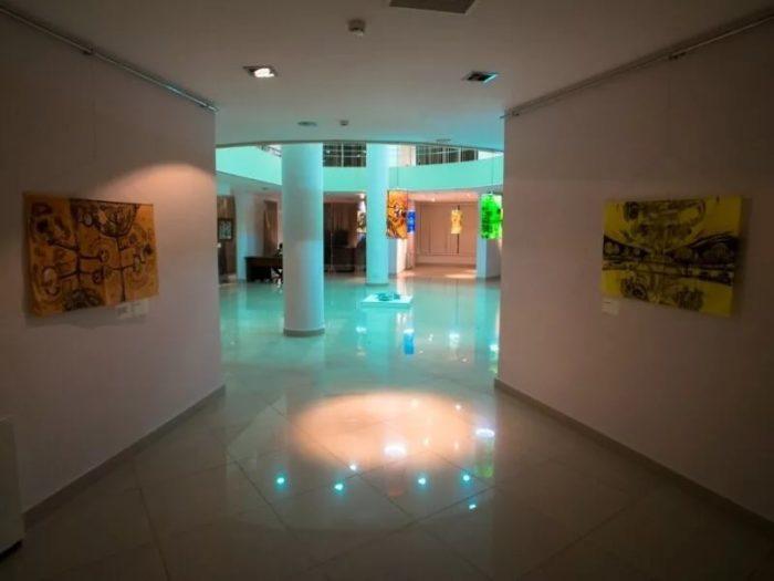 «Первая галерея» в здании Русгидро