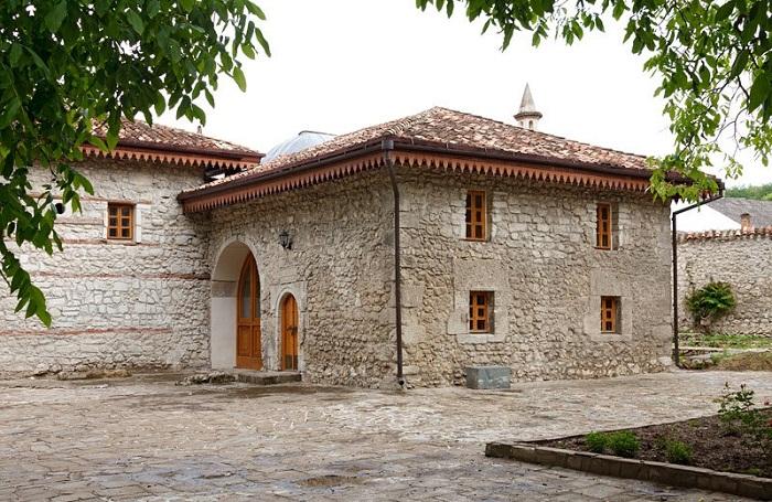 Другие сооружения дворцового комплекса
