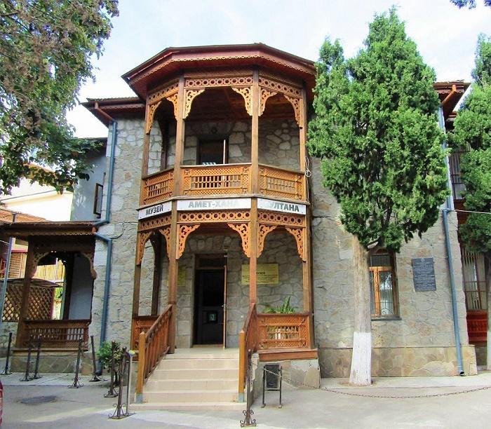 Музей Амет-Хана Султана