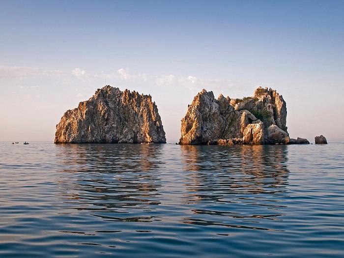Скалы Адалары