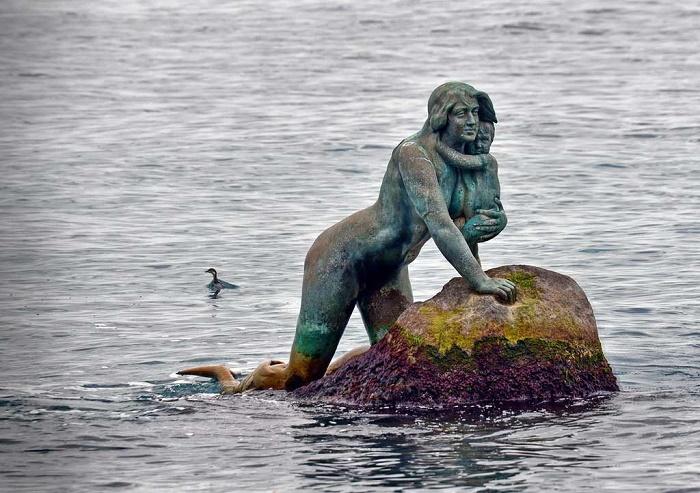 Скульптуры Адамсона