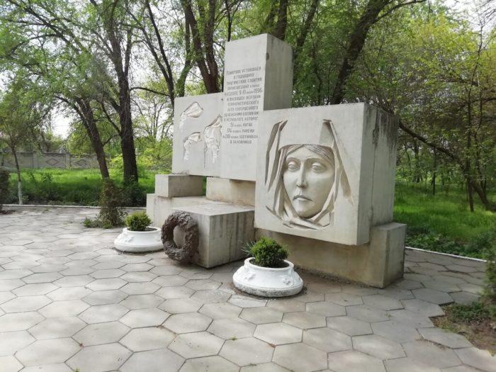 Мемориал жертвам терактов в Кизляре