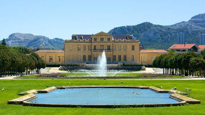 Парк, замок и музей Борели