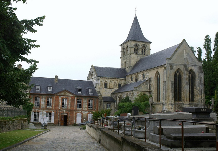 Аббатство Гравиль-Сент-Онорин