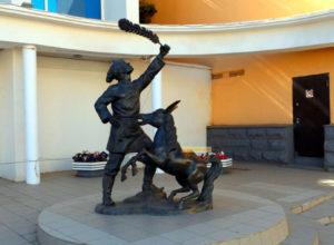 Скульптура «Чистильщик обуви»