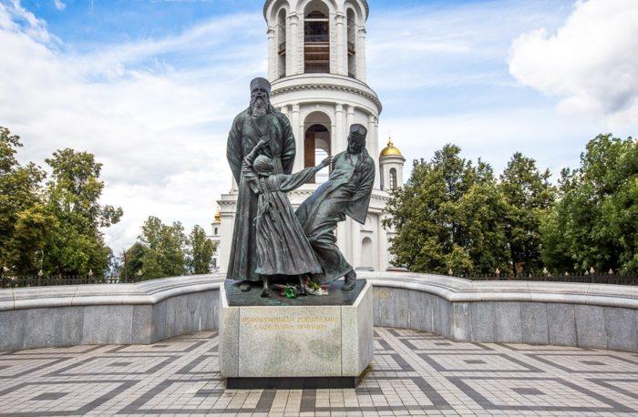 Памятник российским священнослужителям