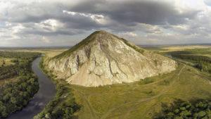 Природные достопримечательности: стерлитамакские шиханы и пещеры