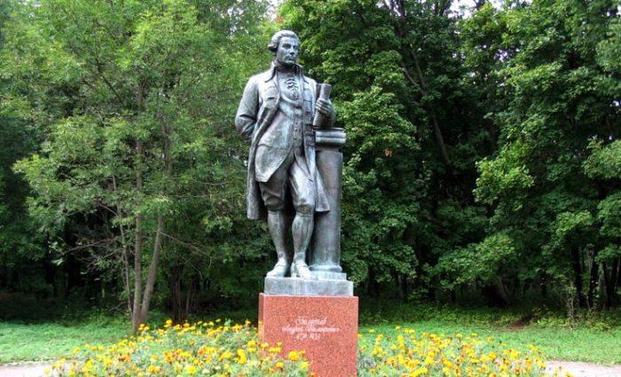 Памятник А.Т. Болотову