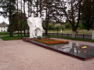 Мемориал «Солдат и мать» на площади Ленина