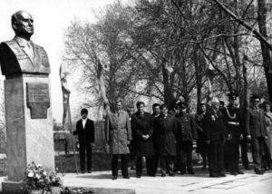 Памятник Фёдору Петрову