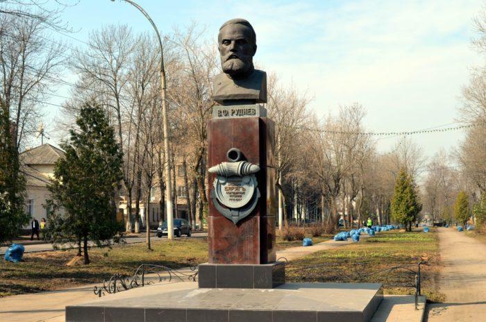 Памятник капитану «Варяга» Всеволоду Рудневу