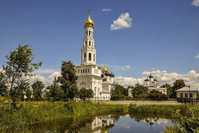 Успенская церковь