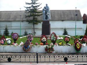 Воинский мемориал в Комсомольском сквере